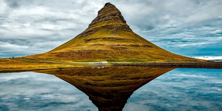 iceland-mirror reflection nature