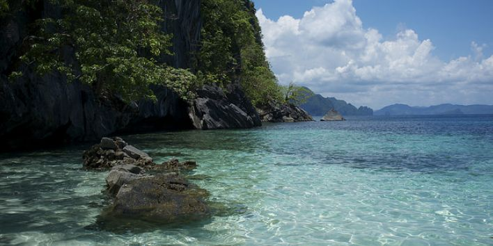 el nido Philipins ocean rocks blue
