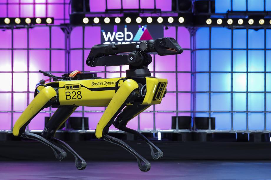 Spot, un robot ressemblant à un chien conçu par Boston Dynamics